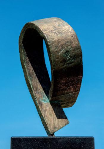 Tilmann-Röhner-Schöner-Gedanke-15-x-35-cm-2006-Plastik-Bronze